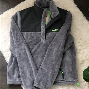 Hollister pull over.